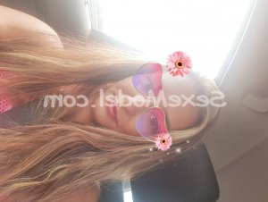 Neomie massage tantrique escorte girl sexemodel